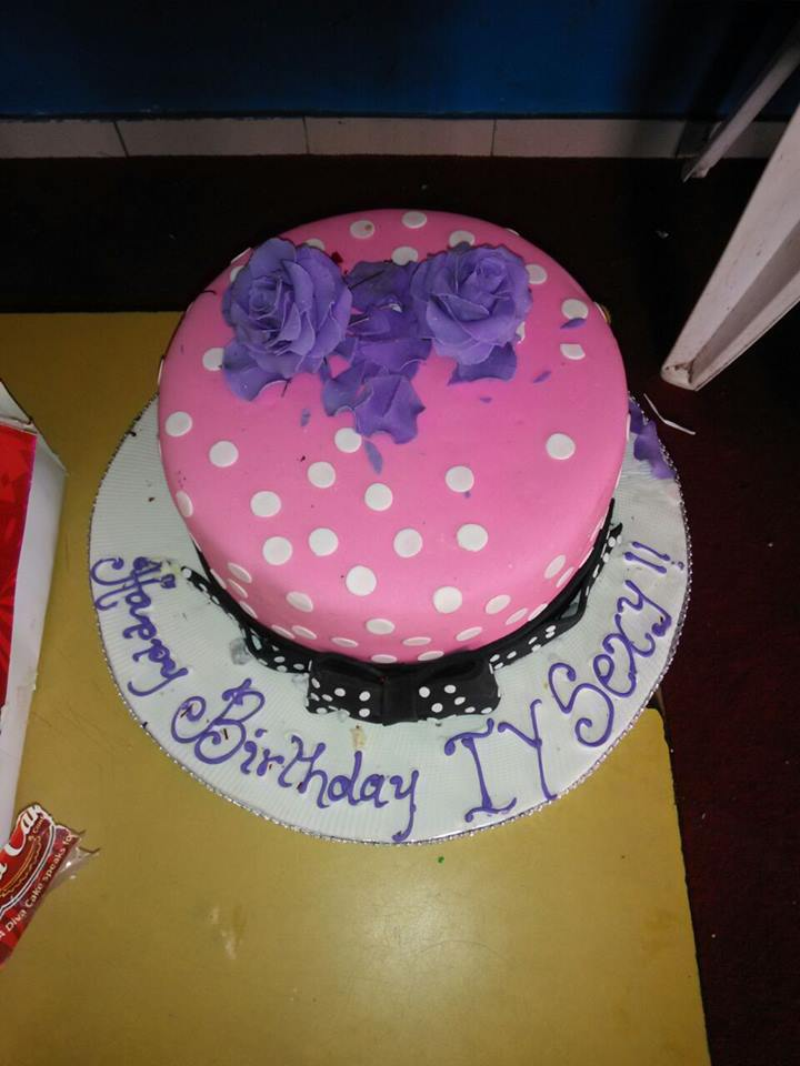 @iyaboojofespris sent in one of her birthday cakes for the children